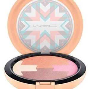 MAC Cosmetics Makeup - BNWOT 🌺 MAC dunes at dusk illuminator 👠💫🥑